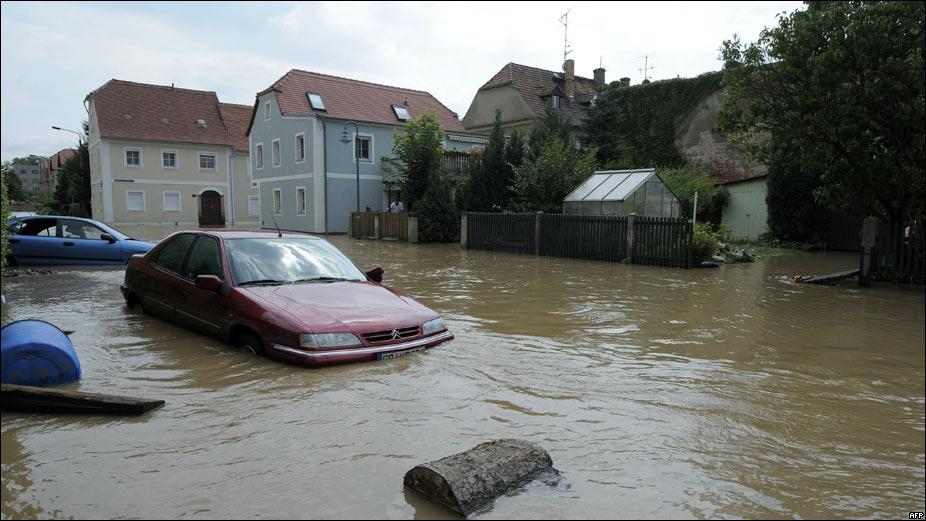 Масштаб трагедии поражает! Наводнение унесло жизни 14 человек, много пострадавших