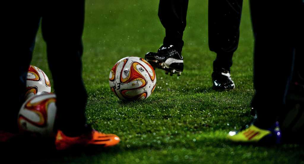 «Прямо на поле»: известный 17-летний футболист умер от сердечного приступа