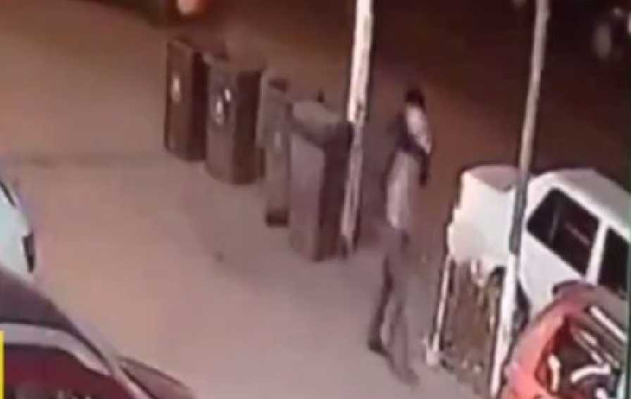 Мужчина чудом избежал две cмepти в течение 10 секунд