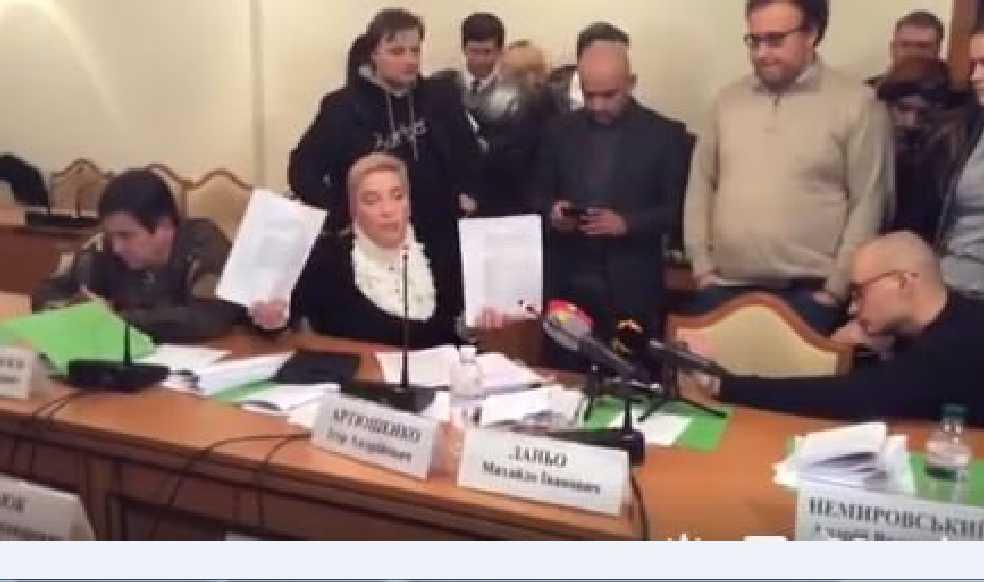 Скандал в НАЗК: депутаты не захотели слушать доказательства Соломатиной о «торможение» расследования Натальей Корчак