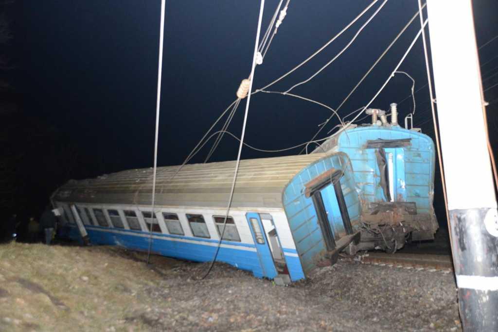 На Тернопольщине произошло столкновение двух поездов, есть пострадавшие