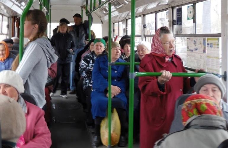 В Киеве пенсионерам хотят запретить бесплатный проезд в общественном транспорте
