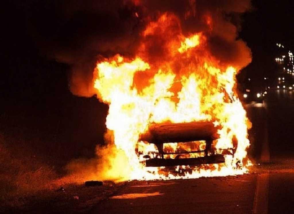 Сегодня ночью в Киеве произошло ЧП: неизвестные устроили серию поджогов