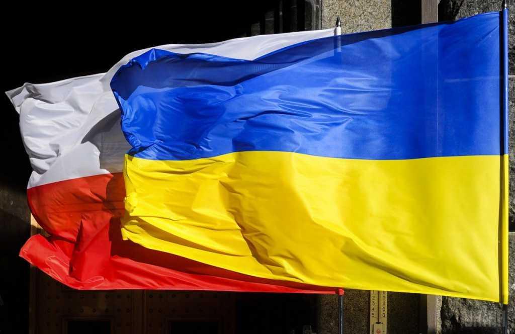 «В украинцев начнется сильный мандраж»: В Польше готовят новый закон