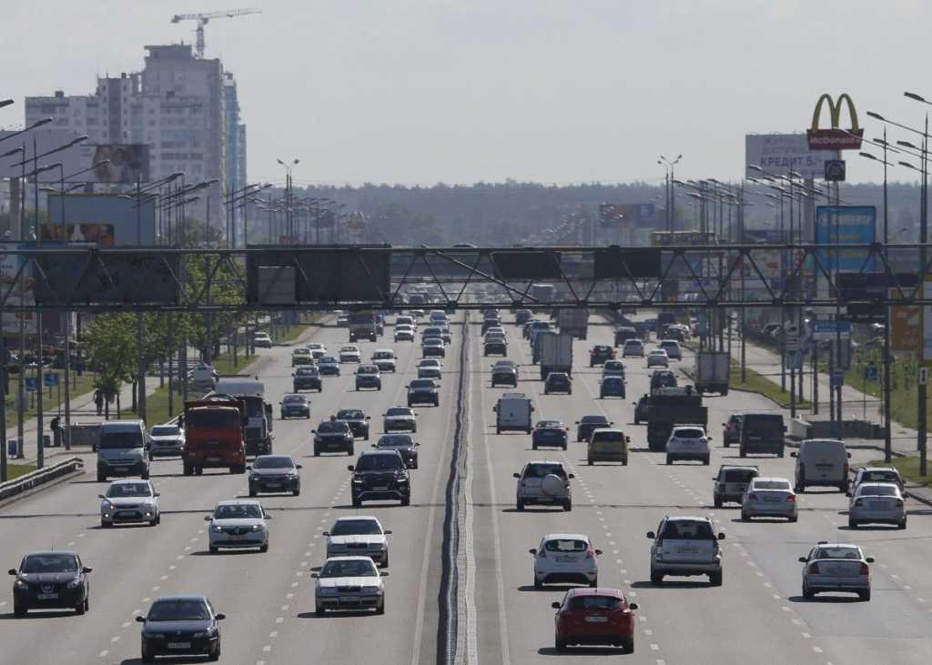 Внимание водители! В Украине изменили максимальную скорость в населенных пунктах