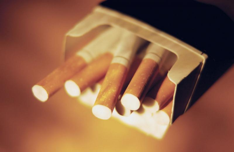 «100 гривен за пачку сигарет…»: Названа дата