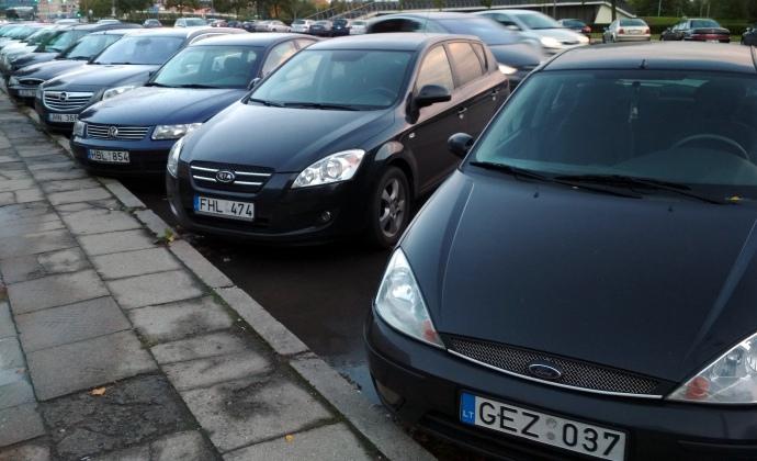 «Проще сдать на металл»: Что будет с законом про авто на еврономерах