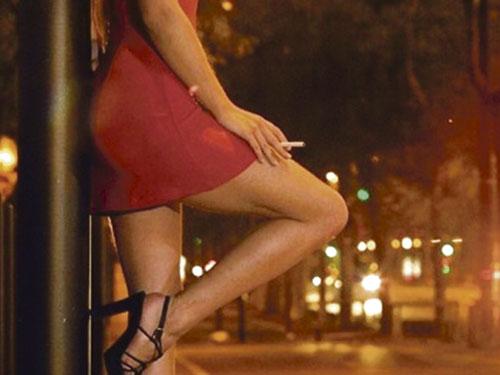 Заказ его так и не выполнили: Тернополянин пожаловался на проститутку, которая не приехала