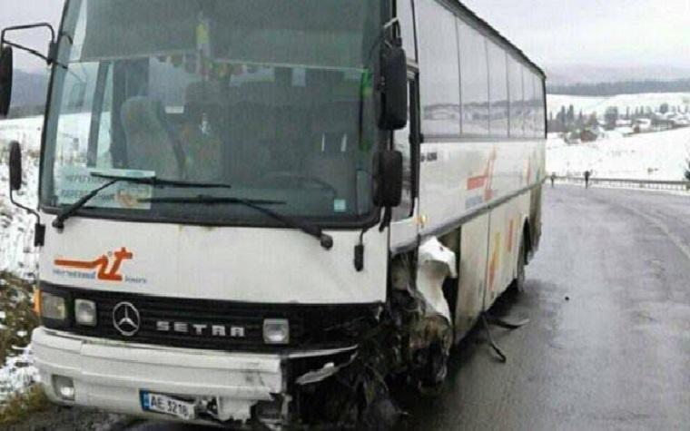 На Львовщине туристический автобус попал в смертельное ДTП (ФОТО)