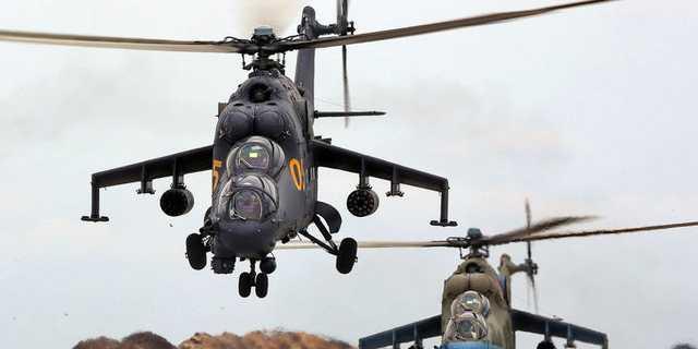 На дороге спецназ и бронетехника, вертолеты в воздухе: сообщается, что на Закарпатье происходят непонятные вещи