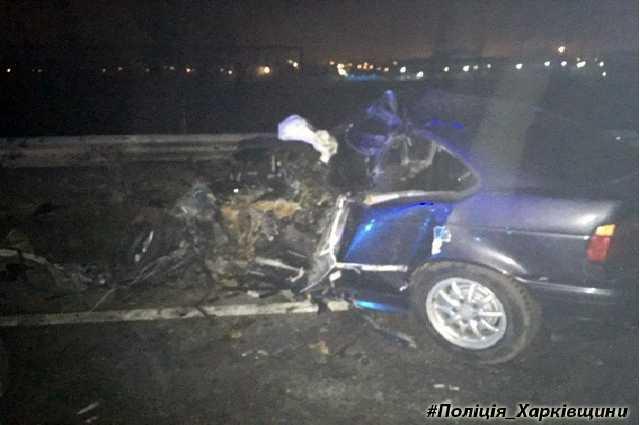 Новое смертельное ДТП всколыхнуло Харьков! Автомобиль врезался в автобус, обломки разлетелись по всей дороге