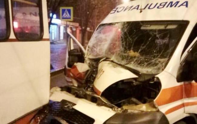 «Скорая влетела в троллейбус»: Детали страшного ДТП в Харькове