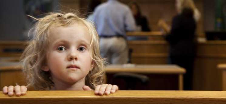 «Ввести жесткие правила»: Лишать родительских прав хотят по-новому