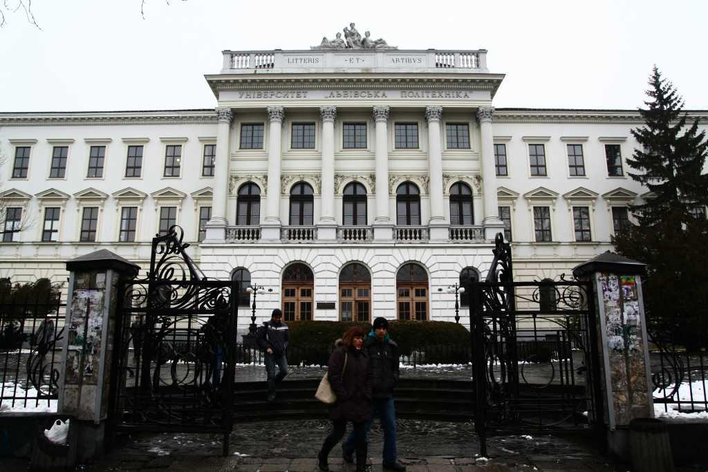 Открыто уголовное дело: На взятке погорел главный архитектор Львовщины