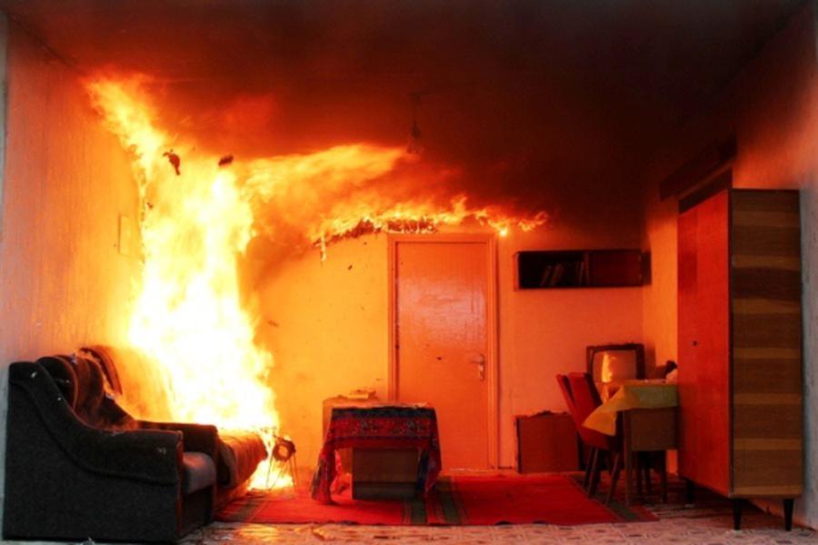 «Сгорел заживо»: в Запорожье произошел пожар в жилом доме