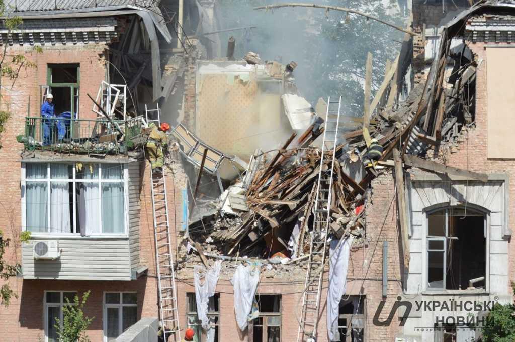 В Киеве в жилом доме взорвалась граната, есть погибший