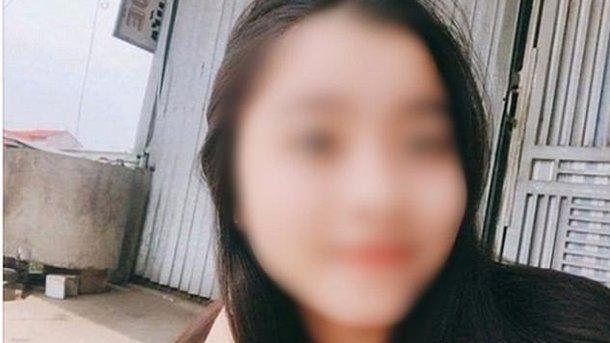 «Во сне, задев оголенный провод»: Школьница умерла от прикосновения к зарядке телефона