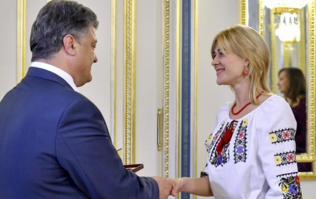 «Я — живой пример …»: Награжденный Порошенко педагог резко прокомментировала свой переезд