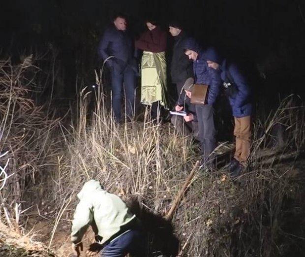 «Увидели как наемный работник тянет подозрительный сверток»: в Киеве молодую девушку закопали прямо у озера