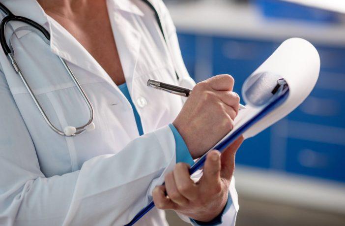 Поспешите! Пациентам, которые не подпишут декларации с врачами, придется платить за визит к медику