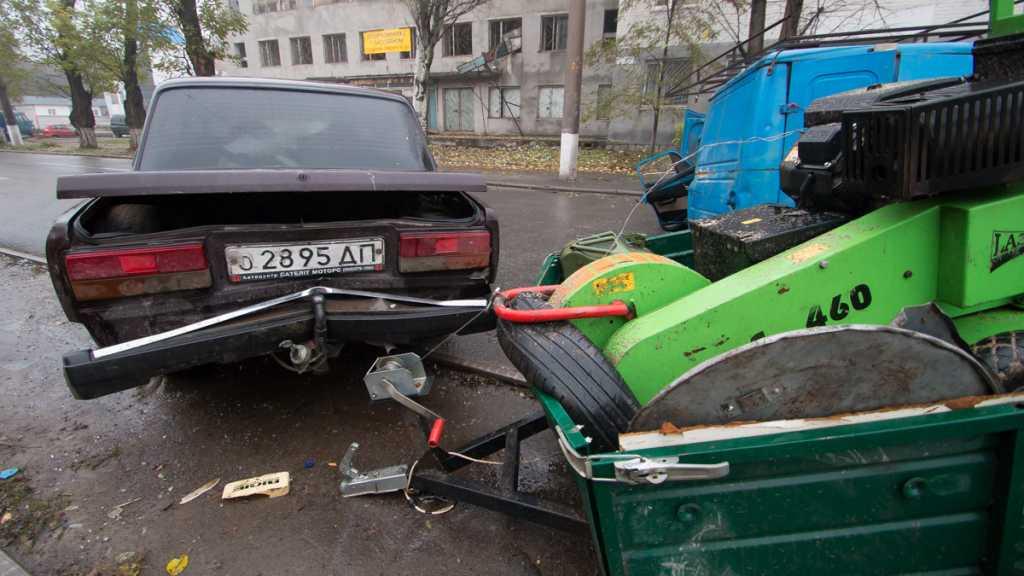 В Днепре произошло ДТП: два автомобиля разбиты