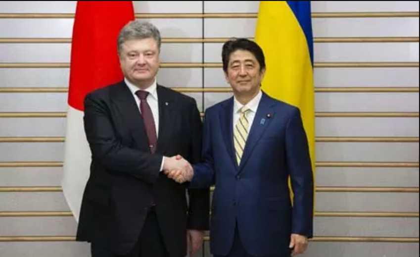 Уже с 1 января: Еще одна страна упрощает визовый режим для украинцев