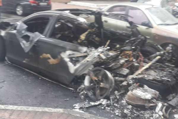 Разорвало на куски: В Центре Киева взорвался автомобиль