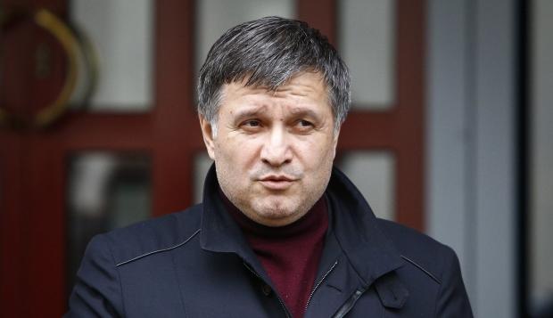 «Сейчас поедем — посмотрите»: Арсен Аваков пригласил журналистов к себе в гости