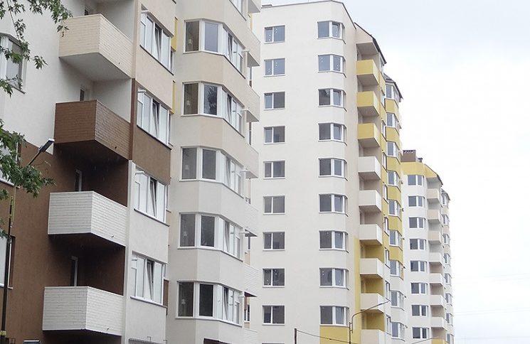 «Шансов не было никаких»: 13-летняя школьница выпала из окна многоэтажки