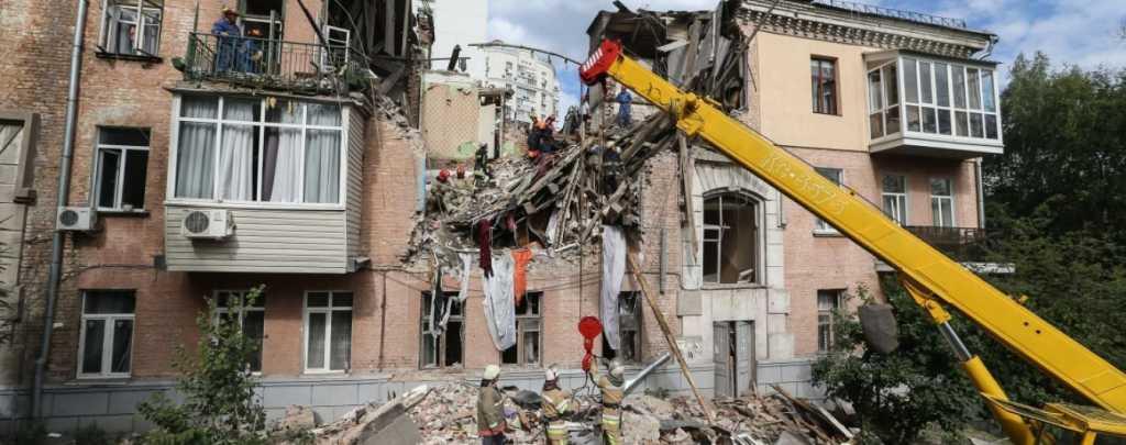 В Черкассах произошел взрыв в жилом доме, есть жертвы