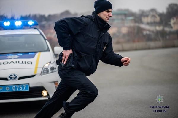 «За долг 15 гривен»: в Тернопольской области несовершеннолетнему натянули на голову пакет, затолкали в машину и похитили