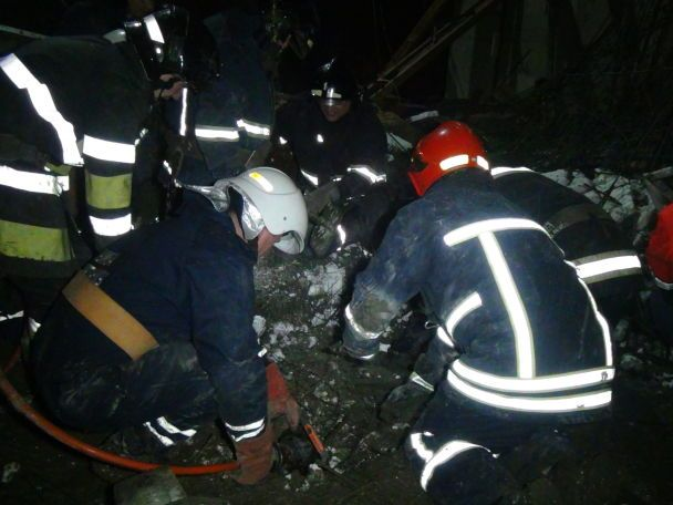 В Ивано-Франковске обрушился жилой дом. Видео с места смертельной трагедии