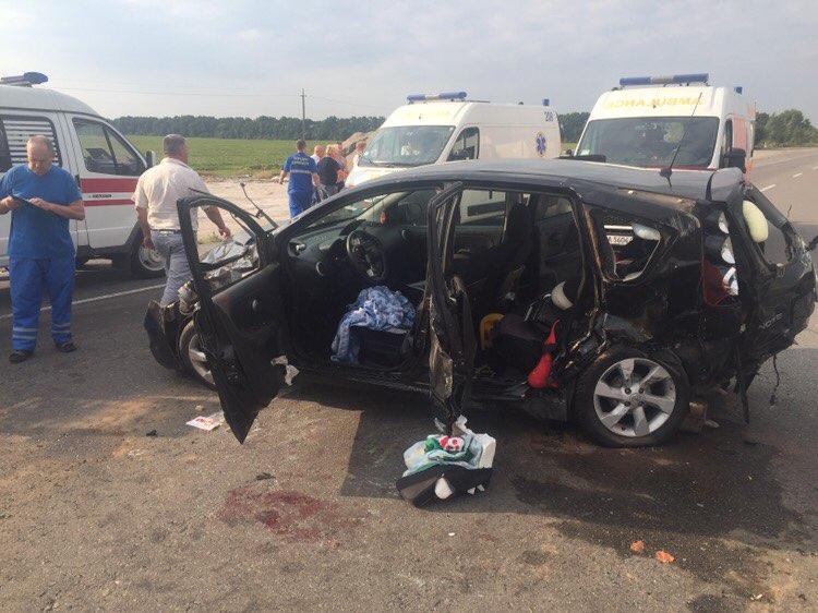 «Погибли на месте»: на Львовщине произошло смертельное ДТП, есть пострадавшие