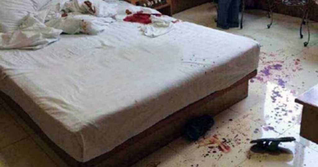 «Врачи пытаются спасти»: девушка отрезала половой орган своему сожителю