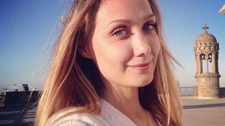 «Начал операцию в 19:00, а закончил аж в 0:30…»: Мать Власовой рассказала о состоянии дочери