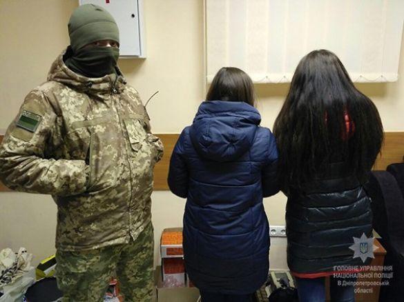 «Переправляли одиноких или малообеспеченных девушек»: Полиция разоблачила международный канал торговли людьми
