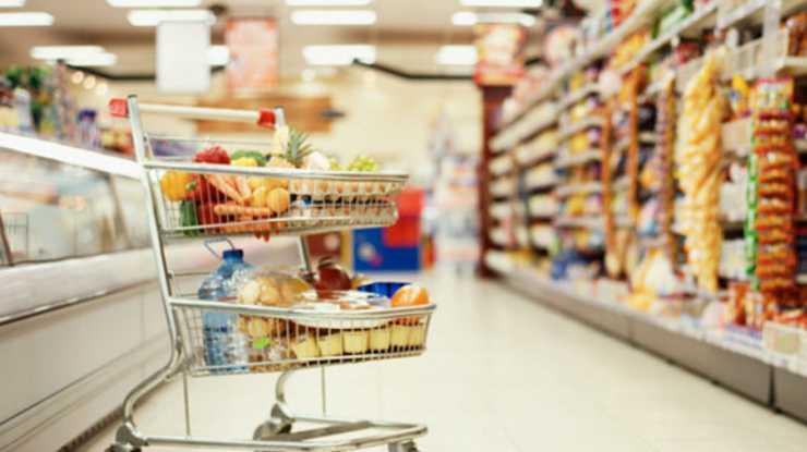 «Как задолбали эти аборигены…»: В сети обсуждают отношения работников киевского супермаркета к покупателю