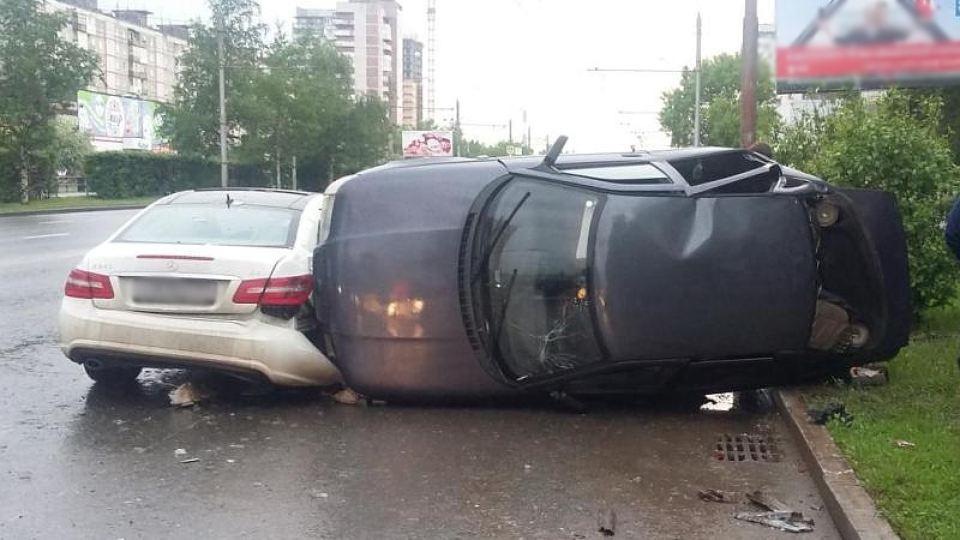 Еще одна трагедия: на Житомирщине помощник советника Президента попал в смертельное ДТП, много пострадавших
