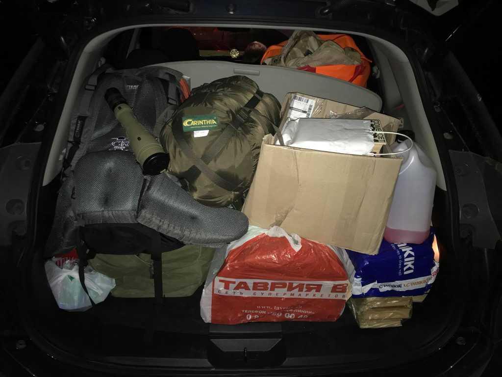 «Извините, но я к вам сегодня, к сожалению, не доеду..»: Полицейские конфисковали машину в волонтера прямо посреди дороги в АТО