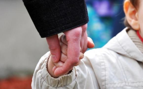«Повез ребенка на медосмотр и не вернулся»: отец украл собственного ребенка