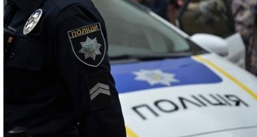 «Сначала избили, а потом сняли трусы»: Под Киевом двое мужчин жестоко поиздевались над полицейским