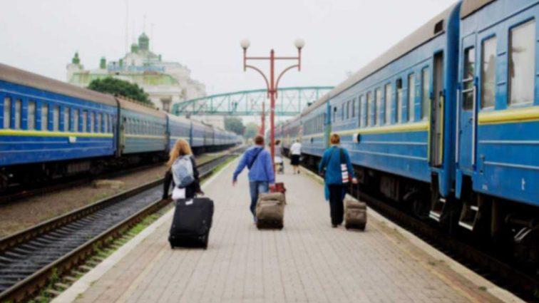 «Посадили в газовую камеру. Людям стало плохо»: пассажиры потрясены случаем в поезде «Укрзалізниці»
