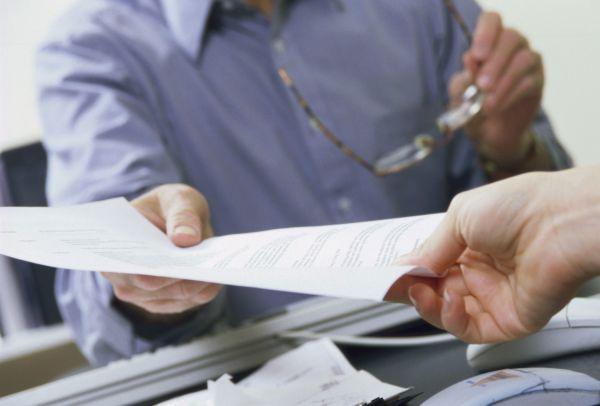 «Более 500 фальшивых приглашений на работу…»: мужчинам грозит до восьми лет лишения свободы