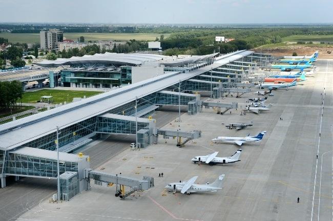 Сегодня неизвестные «заминировали» аэропорты по всей Украине
