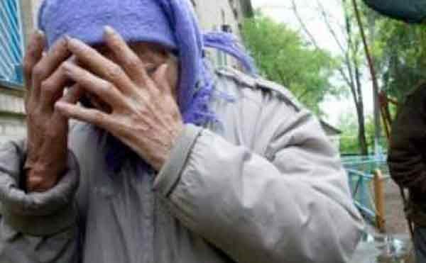 «Рваные раны головы и кисти»: неизвестные преступники жестоко избили двух пожилых женщин