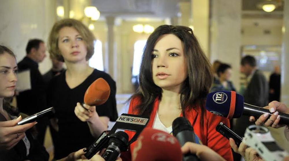 Она была обычным журналистом, СМИ приписали ей роман с коллегой: Неизвестные факты о нардепе Виктории Сюмар