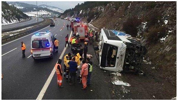 Перевернулся пассажирский автобус: Большое количество пострадавших и погибших