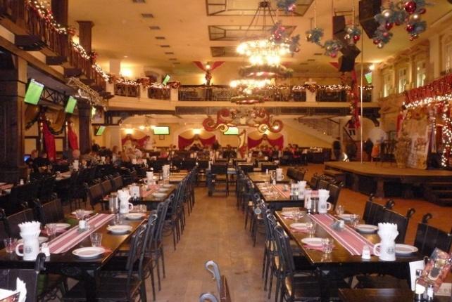 «А виновата российская попса» В львовском ресторане более 10-ти охранников жестоко избили двух бойцов АТО