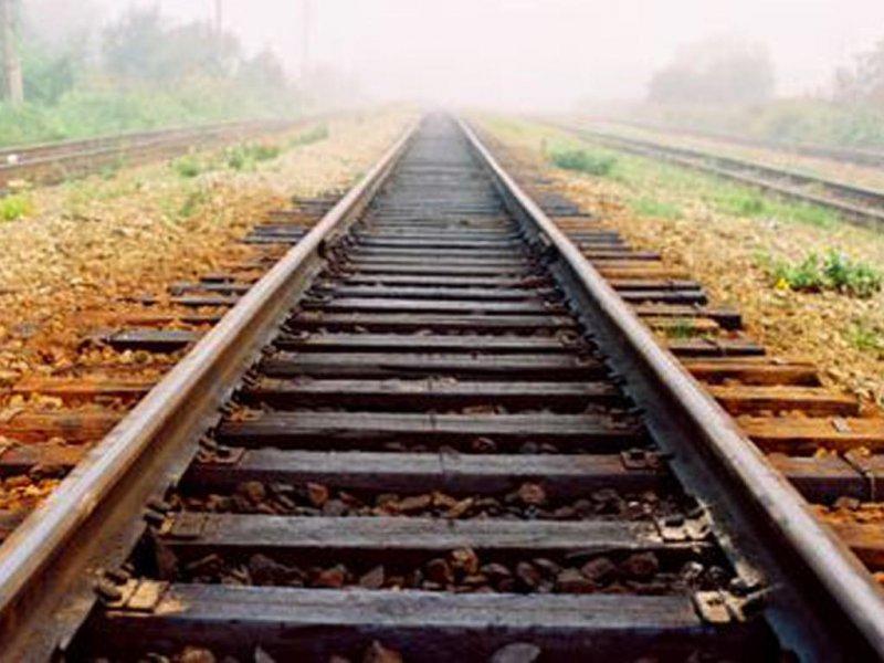 На Львовщине поезд насмерть сбил подростка, который возвращался домой