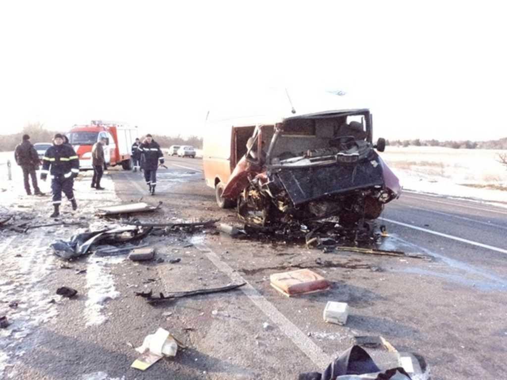 На Закарпатье произошло смертельное ДТП: автомобиль переехал 11-летнюю девочку